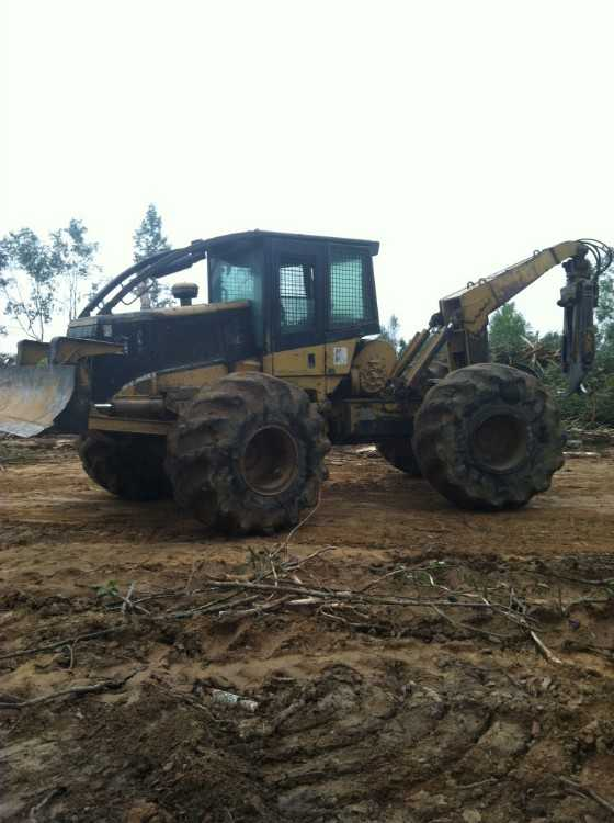 CAT 525 S/A Grapple Skidder