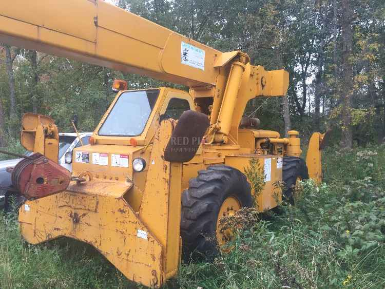 Pettibone MK30 AWD Rough Terrian Crane