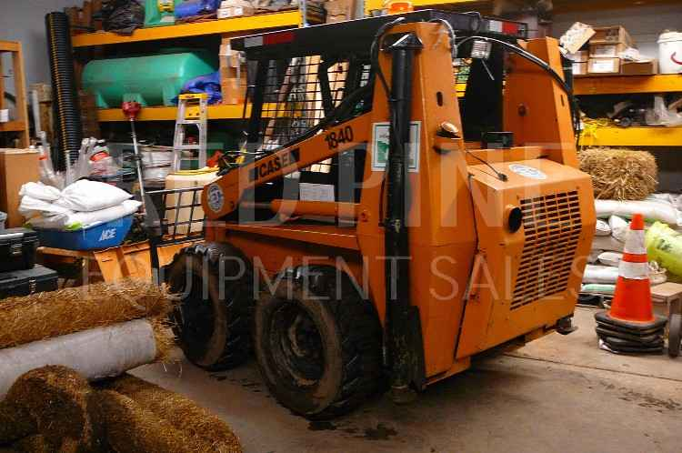 CASE 1840 Skidsteer and Felling 18' Trailer ***SOLD***