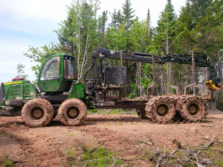 John Deere 1510E 8 Wheeled Forwarder
