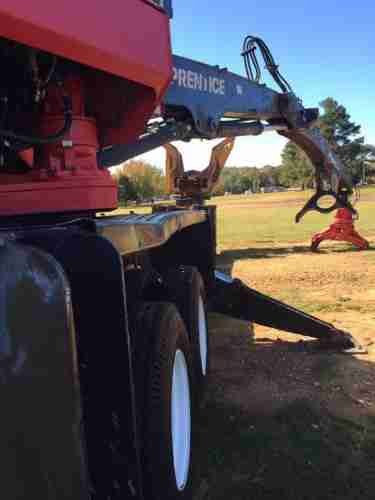 Prentice 2384 Loader with a Riley 4800C Delimber