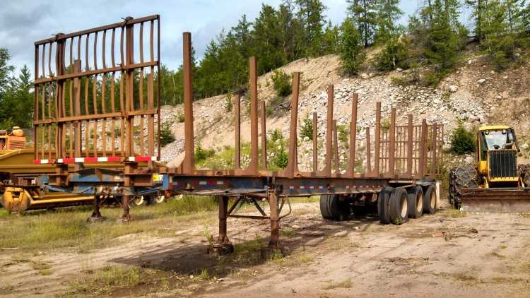 Fruehauf Log Trailer